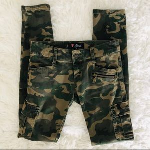 Guess Camo Skinny Cargo Jeans